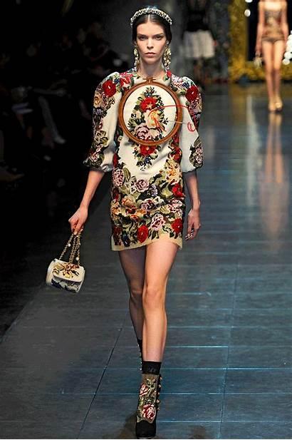 Runway Fall Gifs Animated Dolce Gabbana Greta