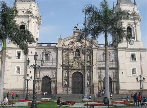 iglesias en el centro de lima