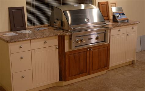 southernstone cabinets  features seaboard  azek