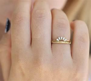 Geometric wedding ring pattern gold ring artemer for Geometric wedding ring