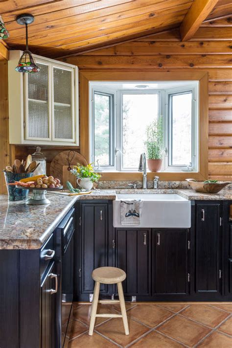 pine kitchen wall cabinets the curse of orange knotty pine walls 4227