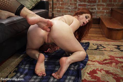 Feet Inside Pussies 03 Lesbian Foot Fucking Sorted