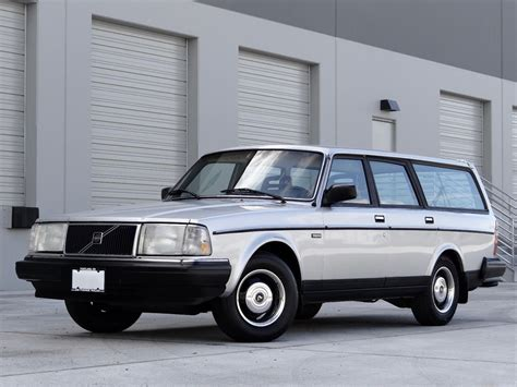 volvo   dl wagon manual  sale