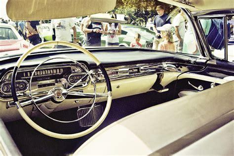 Cadillac-classic-car-american-interior