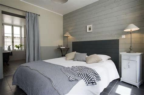lambris pour chambre idées relooking intérieur peinture sur meuble recup