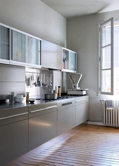 cuisine equipee pas chere aménagement cuisine en longueur