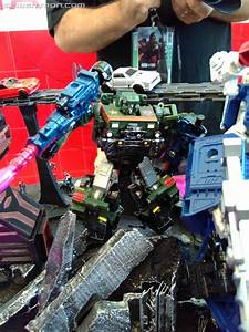 War For Cybertron  Siege Toys On Display At Sdcc 2018 With