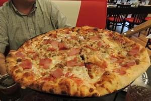 Lg Carnivore pizza - Picture of Big Daddy's Pizzeria ...