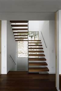 Holz Weiß Streichen Aussen : schwebende treppen 50 ideen f r zeitgen ssisches design ~ Whattoseeinmadrid.com Haus und Dekorationen