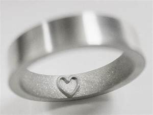 A wedding ring leaves a heart imprint on the finger for Wedding ring that leaves imprint