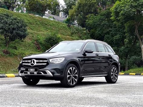 The glc 200 comes with a retail price of rm299,888, while the glc 300 4matic coupe will cost you rm419,888. Mercedes-Benz GLC 200: Elegance elevated | CarSifu