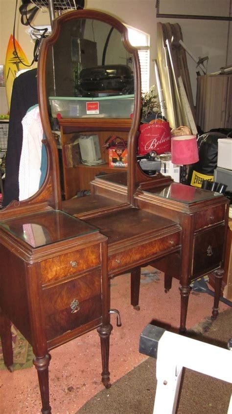 marvel furniture vanity jamestown ny  antique