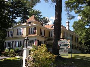 Lamplight inn bed breakfast in lake luzerne new york for Lamp light inn