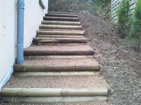 escalier en rondin de bois escalier en rondin mignonette orl 233 at thiers lezoux clermont ferrand maringues 63 puy de d 244 me
