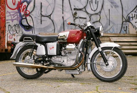 Moto Guzzi V700 Special