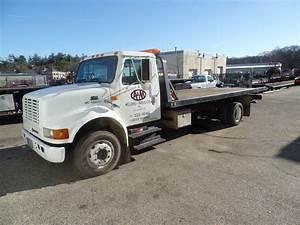 2000 International 4700 Dt466e Ramp Truck  6 Wheel  Diesel