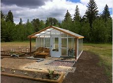 Top Tips for Building a DIY Greenhouse Interior Design