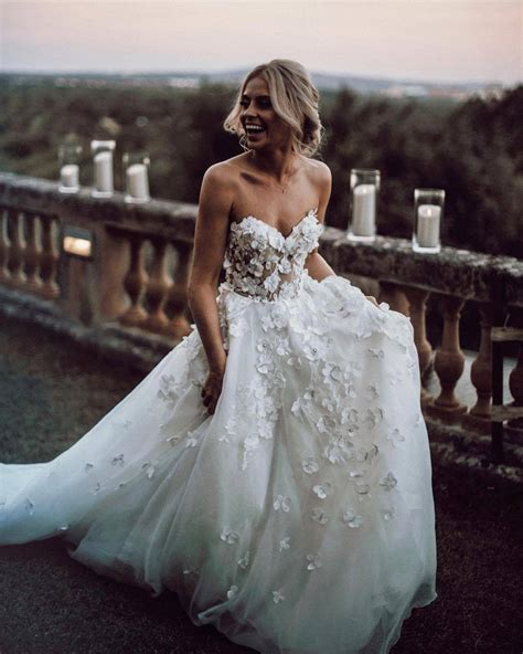 Chic Ivory Wedding Dress Lace Cheap Beautiful Wedding