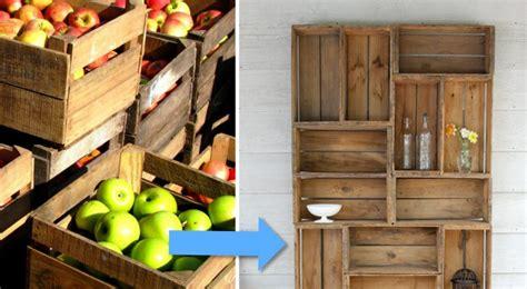 libreria con cassette di legno creare una libreria con le cassette della frutta 200 pi 249