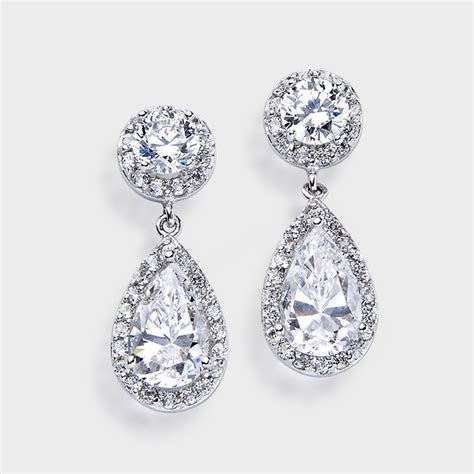 brides  grooms choose high quality cubic zirconia rings