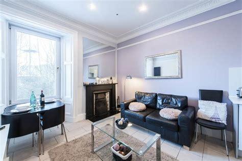 The Livingroom Edinburgh by Edinburgh Central Luxury Apartment Has Central Heating And
