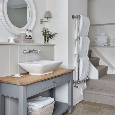 Modern Country Bathroom Ideas by Take A Tour Of This Sophisticated Retreat In The Cotswolds