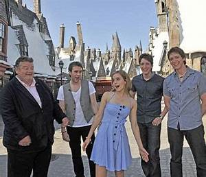 Emma Watson I Harry Potter Film Stars Get Sneak Peek of ...