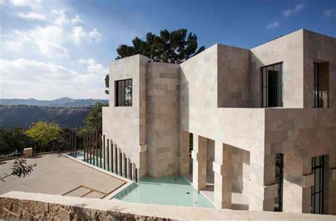 Impressive Glass House In California by Impressive Features Of Guest House In 2251 Flora Dr
