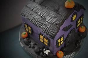 Halloween Rezepte Kuchen : halloween gruselhaus torte 3d motivtorte zum halloween ~ Lizthompson.info Haus und Dekorationen