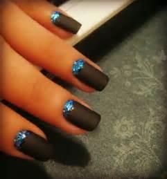 Amazing glitter nail designs for pretty