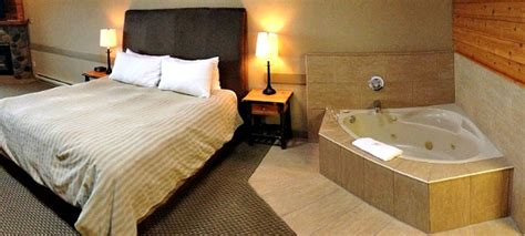 two person whirlpool vancouver island tub suites hotels and resorts with