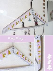 Fabriquer un porte bijoux en carton maison design for Fabriquer un porte bijoux en carton