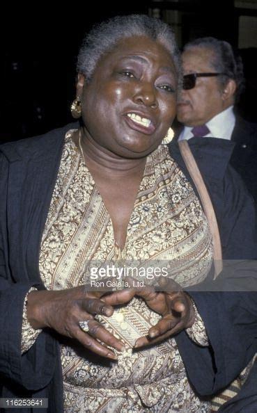 Esther Rolle Memorial | Mungfali