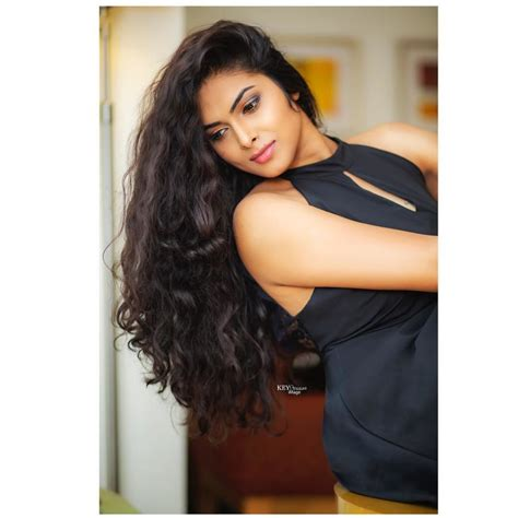 Divi Vadthya Age, Wiki, Height, Biography, Family | Aktend.com