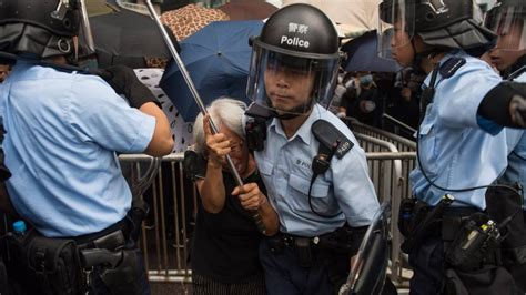 hong kong extradition bill protests erupt  violence bbc news