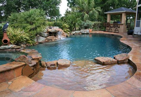 24 Wonderful Small Swimming Pool Design For Small Backyard