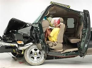Test De Sécurité : s curit et tests de collision des autos pas de g ant prot gez ~ Medecine-chirurgie-esthetiques.com Avis de Voitures