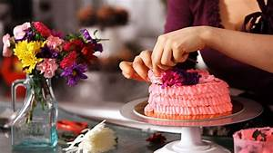 How to Decorate Cake with Fresh Flowers Cake Decorating