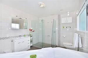 Exemple De Petite Salle De Bain : modele petite salle de bain avec douche valdiz ~ Dailycaller-alerts.com Idées de Décoration