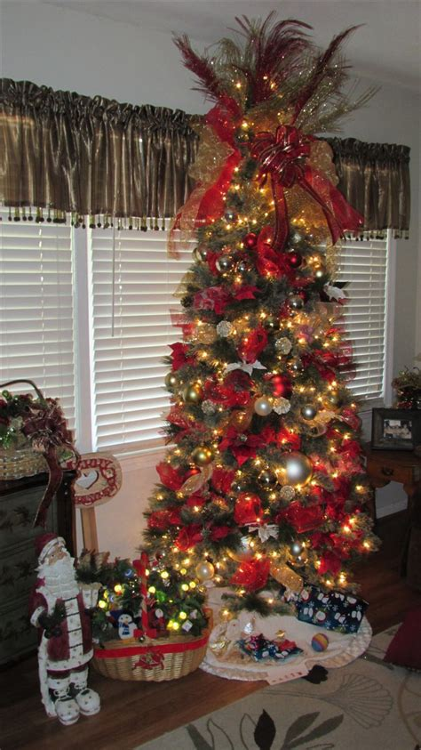 how to put deco mesh in christmas tree christmas tree decorated with deco mesh christmas pinterest