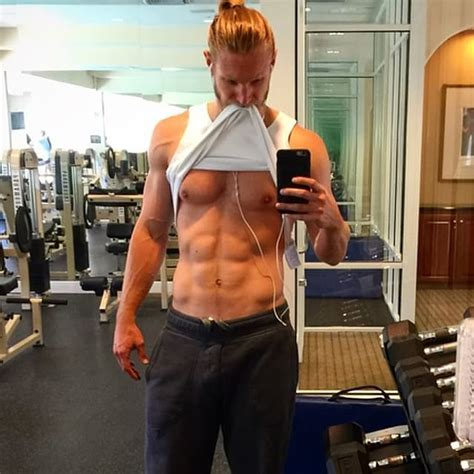 Gym Selfie The Hottest Man Selfies Of Are So
