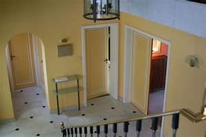 Davausnet couleur peinture hall d entree avec des for Idee couleur couloir entree 0 peinture pour hall dentree critares de choix et prix