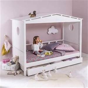 Lit Banquette Fille : 1000 images about chambre de fille on pinterest petite ~ Teatrodelosmanantiales.com Idées de Décoration