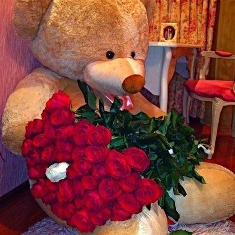 décoration intérieure chambre à coucher fleurs rouges décoratives 3 déco