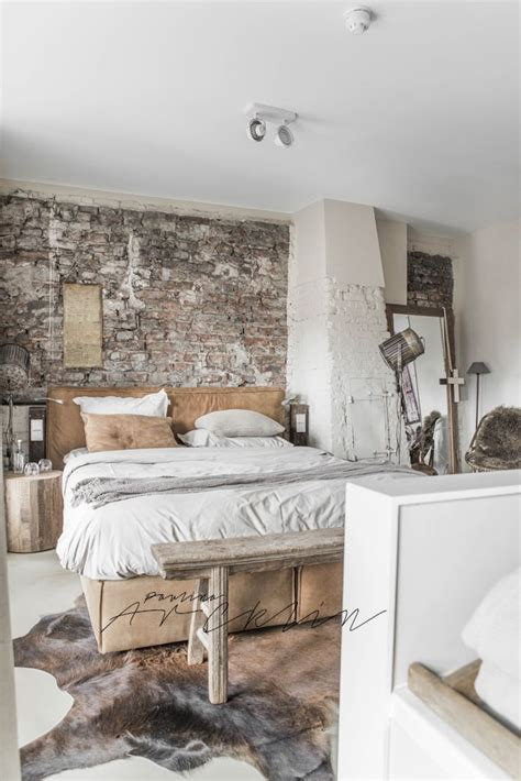 Cowhide Bedroom - 25 best ideas about cowhide rug decor on