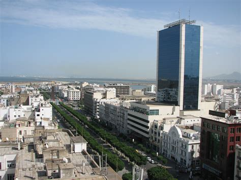 Ave Habib Bourguiba, Tunis.jpg