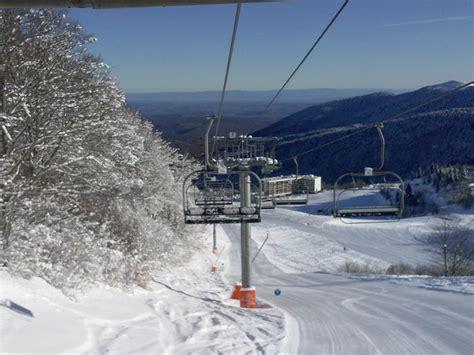 station de ski les monts d olmes photos ari 232 ge sous la neige hiver en ari 232 ge piste de ski en ari 232 ge