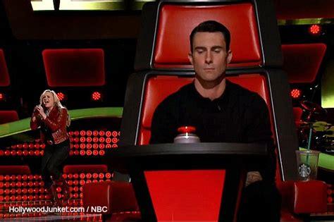leather chair test the voice season 6 premiere
