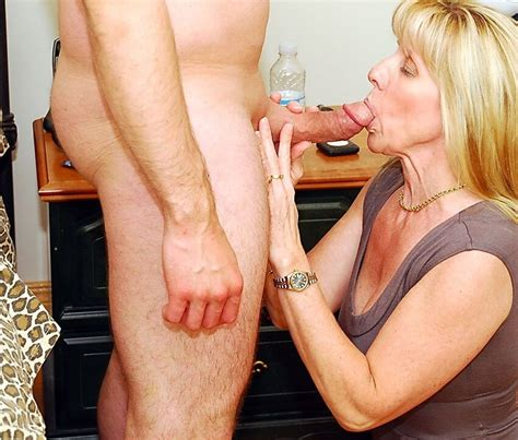 Asses Photo Having Sex With My Recently Divorced Mom Janet