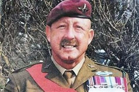 falklands war hero who fought at goose green found hanged